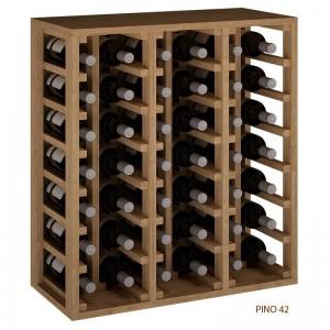Botellero apilable de 6 columnas en madera para 42 botellas. Mide 75x68x32 fondo